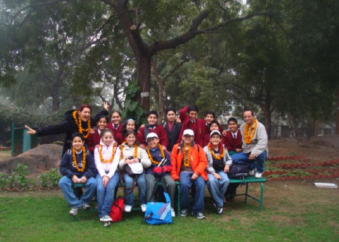 Miss Gaby y estudiantes de VKS Victoria´s School de viaje